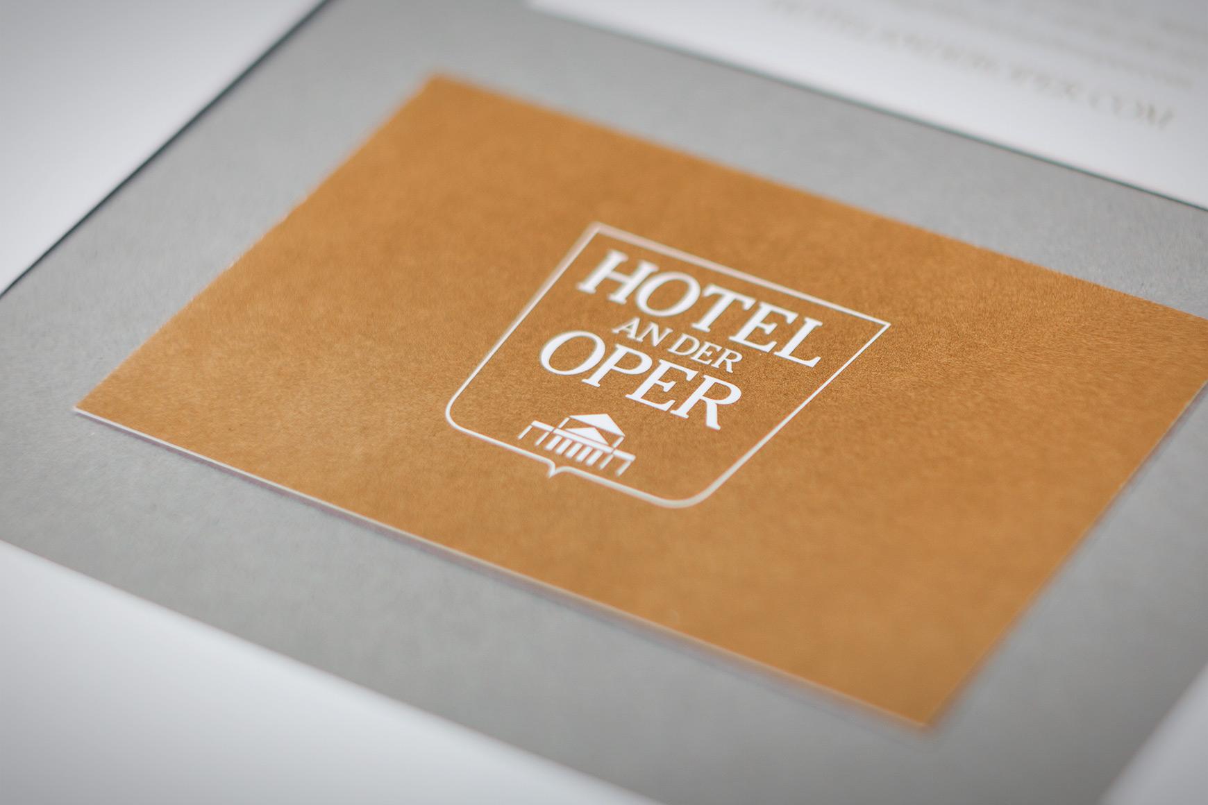 Hotel an der Oper Schaufenster